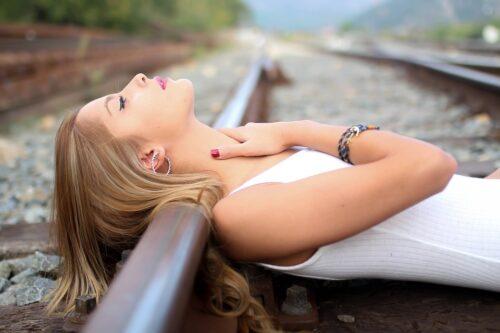 Dlaczego warto nawilżać szyję?