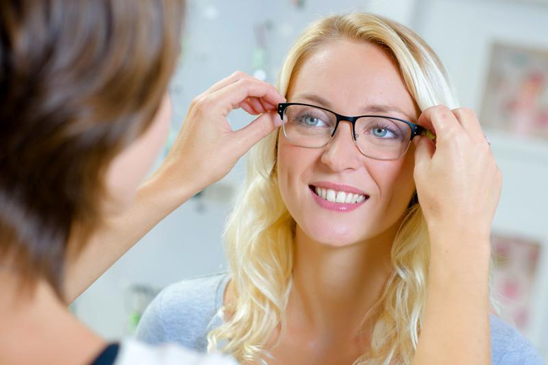Jedne okulary do zadań specjalnych - fotochromowe progresy